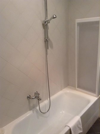 B&B Tourist House Ghiberti: large bath/shower