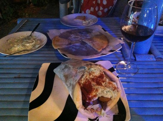 Greek Taverna: Souvlaki, pita and tzatziki