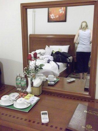 Tan Hoang Long Hotel: .