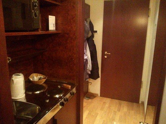 Derag Livinghotel Weissensee: ingresso con mini cucina