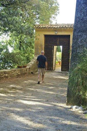 Eremo delle Grazie: A walk to the on-site church