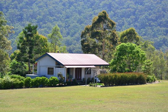 Barney Creek Cottages: The Hill Station