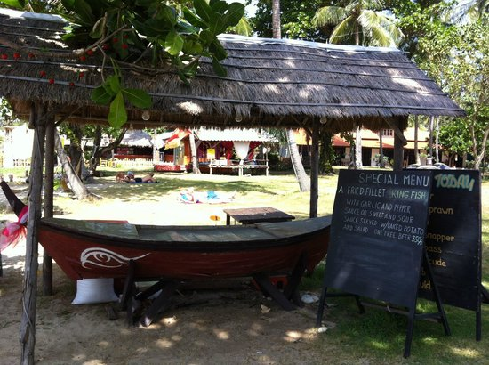 Klong Khong Beach Resort: BBQ area
