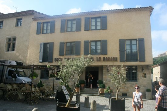 Best Western Le Donjon Les Remparts: Hotel Le Donjon