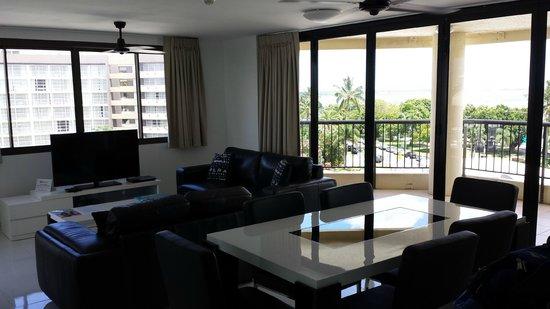 Cairns Aquarius: Living Room