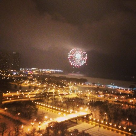 Renaissance Blackstone Chicago Hotel: New Years Eve fireworks at the Navy Pier. This is the view from the 19th floor.