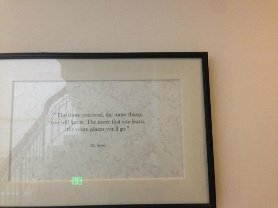 The Alcove Library Hotel: Cool quotes hung on the hotel walls