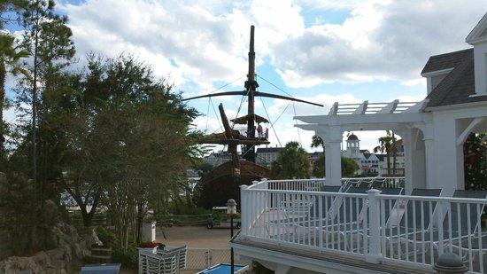 Disney's Beach Club Villas: Pirate slide