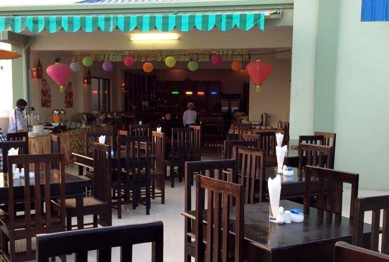 Hotel Yadanarbon: Restaurant