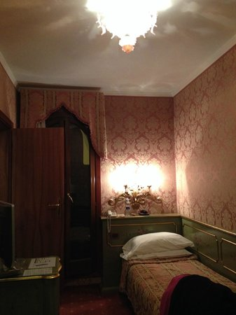 Hotel American Dinesen: Venetian style room