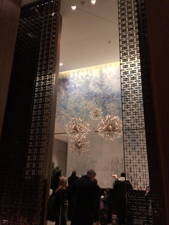 Four Seasons Hotel Toronto : Front desk