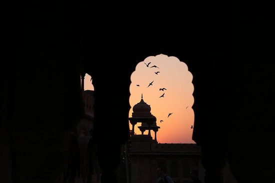 The Laxmi Niwas Palace: Dawn from the rooftop.