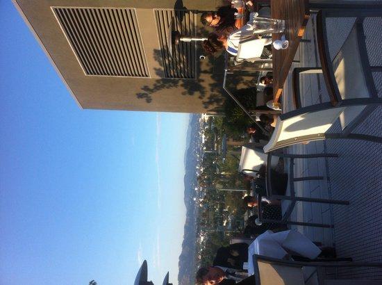 The Kimpton Hotel Wilshire: Roof top bar