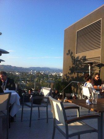 Kimpton Hotel Wilshire: Roof top bar