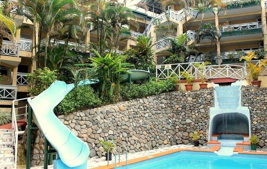 Suva Motor Inn: Terrace