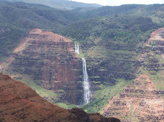 Grand canyon of the pacific picture of waimea canyon for Pacific grand