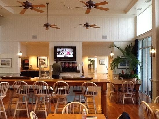 Hampton Inn & Suites Myrtle Beach/Oceanfront: one of the dining area's