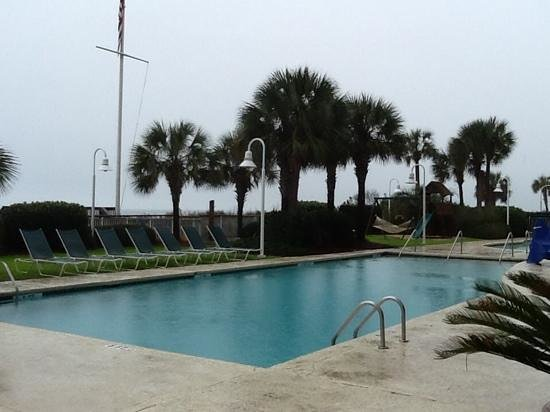 Hampton Inn & Suites Myrtle Beach/Oceanfront: one of the outdoor pools facing the ocean
