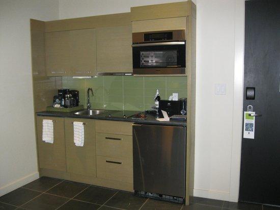 Black Rock Oceanfront Resort : Kitchen - Room 317