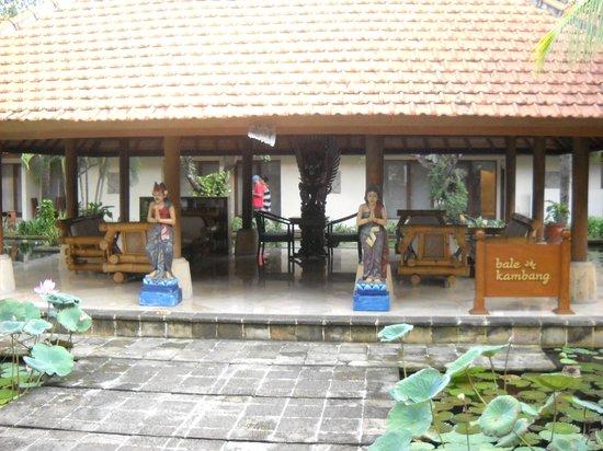 Bali Rani Hotel : Entrance