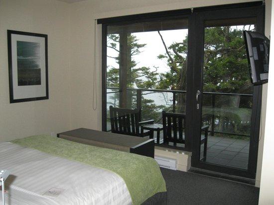 Black Rock Oceanfront Resort: Bedroom - Room 317