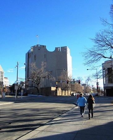 Denver Art Museum: Art fortress