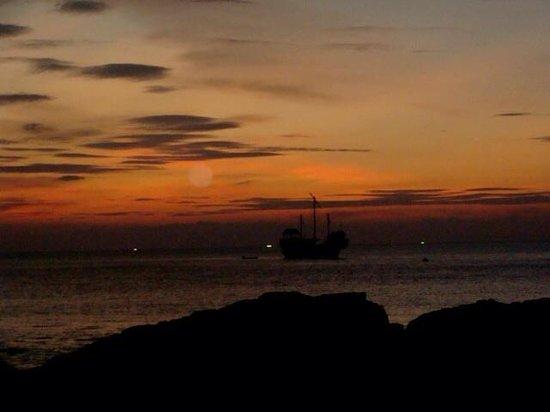 Klong Khong Bay Bungalows: Sunset