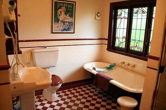 Megalong Manor: バスルーム