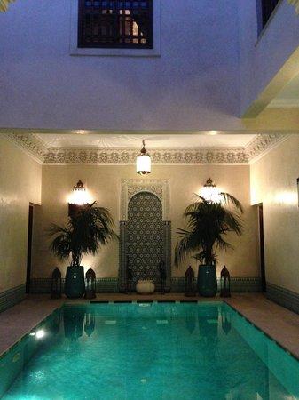 Riad Kniza: Pool view
