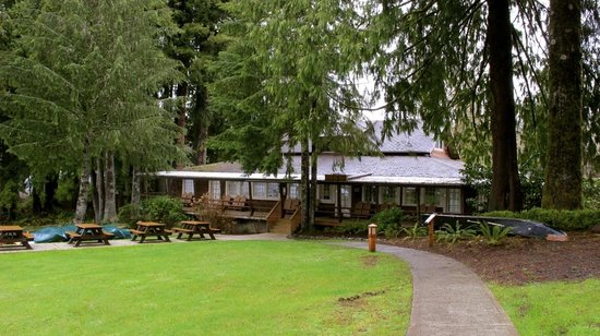 Lake Quinault Lodge: View of Boathouse building
