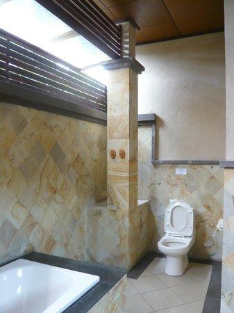 Bali Ayu Hotel: Pool Villa Bathroom