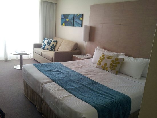 Coogee Sands Hotel & Apartments: The newly renovated room