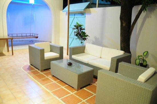 House de Coral: lobby