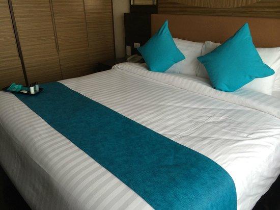 Jasmine Resort Hotel : 凄き広いベッド
