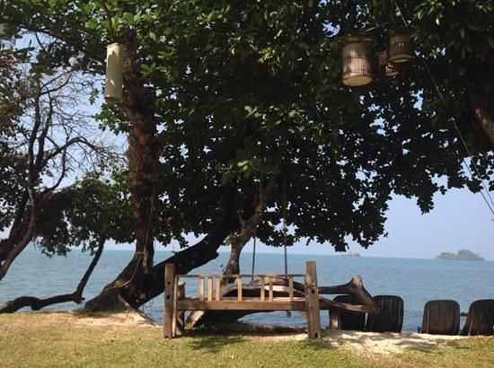 Gajapuri Resort & Spa: Romantic beach