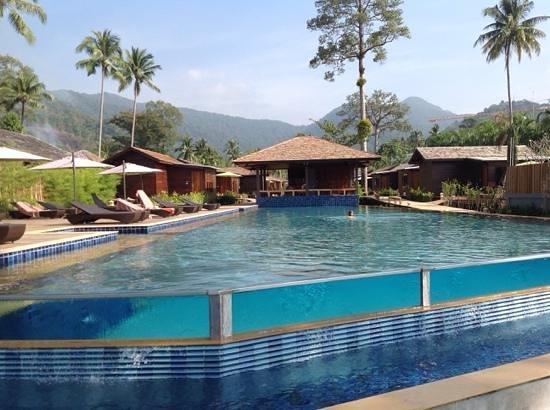 Gajapuri Resort & Spa: new pool
