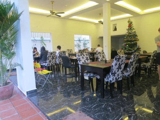 Eureka Villas Phnom Penh: Breakfast area
