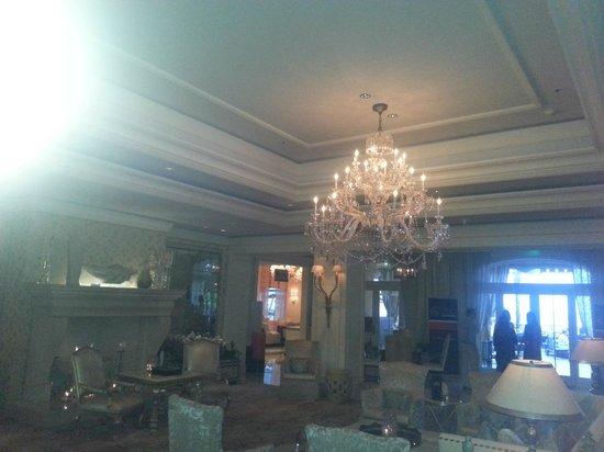 Eau Palm Beach Resort & Spa: Eau foyer