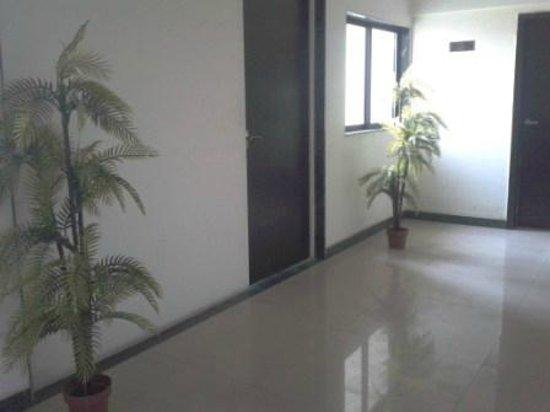Pallavi Avida: The Lift Lobby