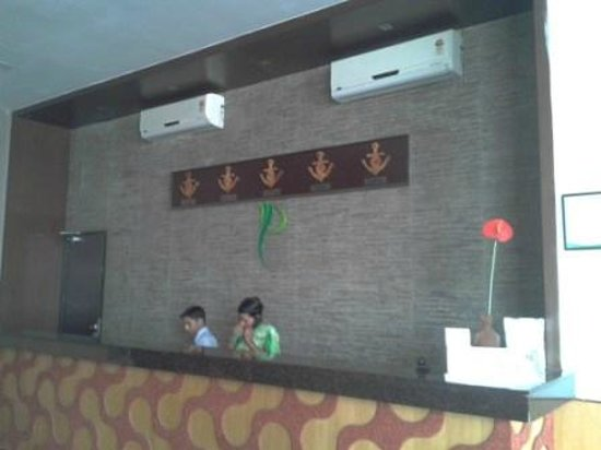 Pallavi Avida: Friendly and helpful reception