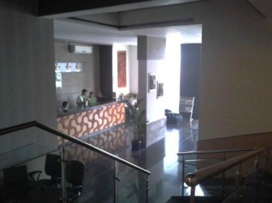 Pallavi Avida: Entrance lobby
