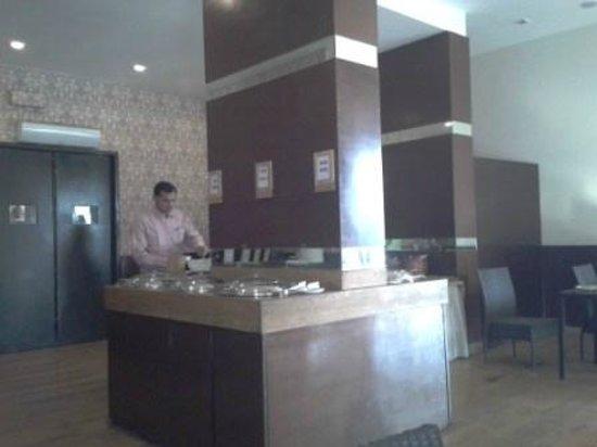 Pallavi Avida: Breakfast area