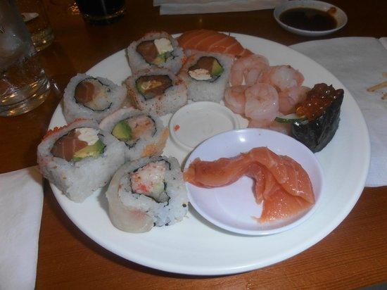 Minado: variedad de sushi libre