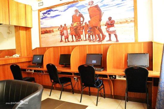Cicada Hotel: Cybercafe