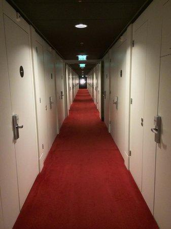 citizenM Schiphol Airport: Hallway