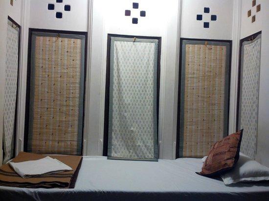 Jaiwana Haveli : Ethnic style windows in older section oh havelli