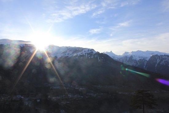 Pause at Manali: Sunrise
