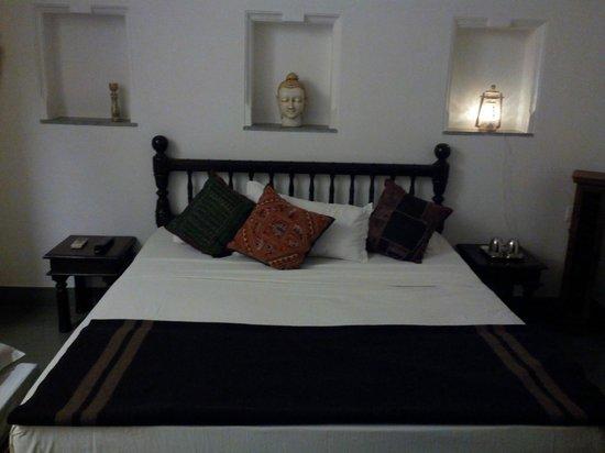 Jaiwana Haveli : Ethnic Room in older section oh havelli