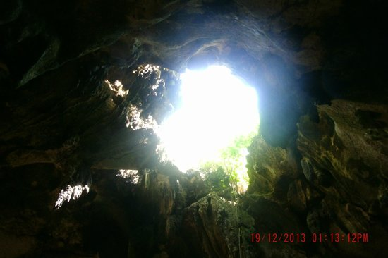 Bukilat Cave: Looking up to the sky!