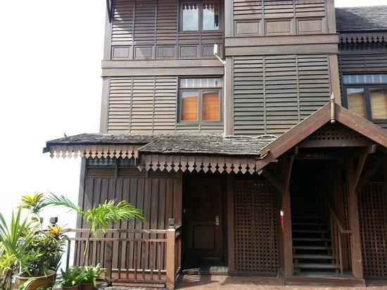 Langkawi Lagoon Resort: Very run down sea village